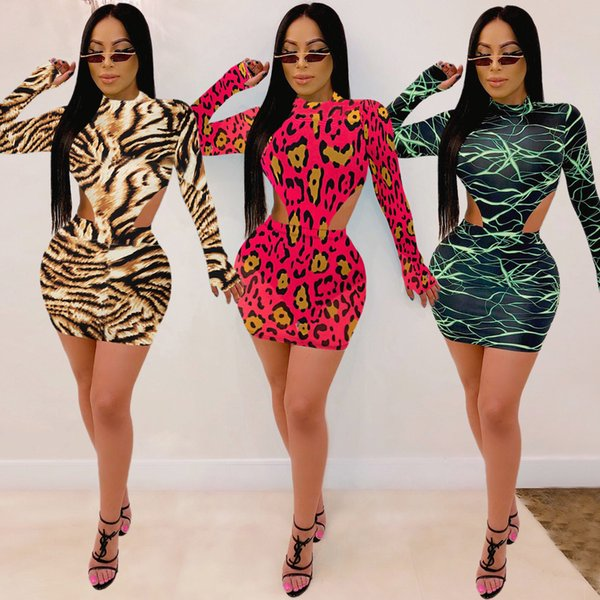 New Arrivel Sexy Ladies Suit Top Mini vestido de festa Clube Imprimir Moda Mulheres Set Long Sleeve Bandage Outfits Bodysuit e Skirt Two Pieces