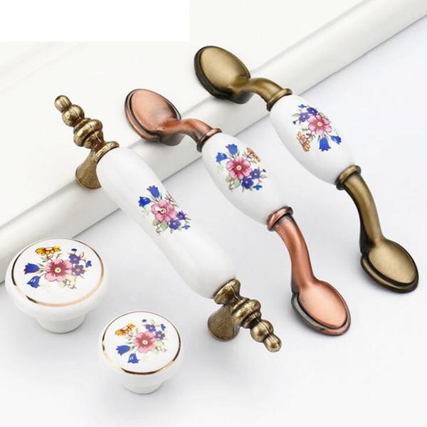 La nuova annata maniglie in lega di zinco Gabinetto ceramica maniglia in ottone antico della cucina tira cassetto del guardaroba pomoli per mobili Maniglia con viti Tira