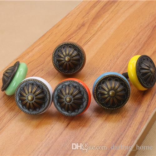6 Cores 3.3 * 3.3 cm Antique Shell Knob Home Decor Crianças Pintados À Mão Porta Cerâmica Gaveta Da Gaveta Alças Móveis Acessórios Do Banheiro