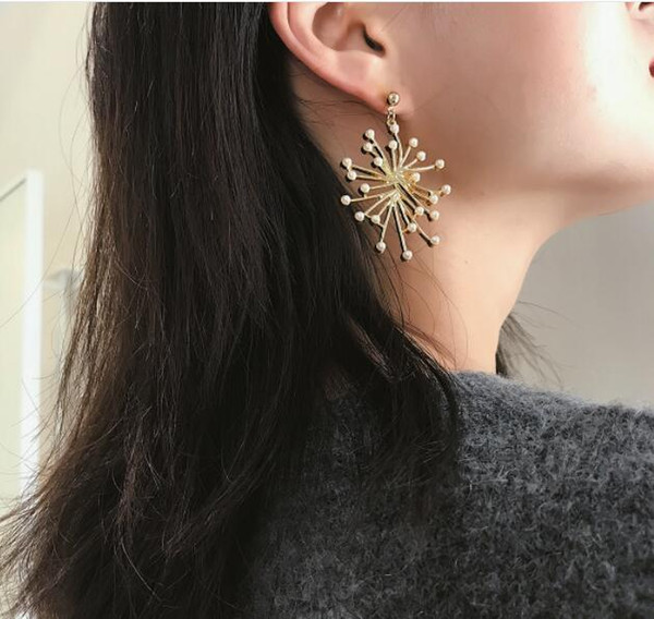 12pcs Creative Snowflake Temperament Earrings Gift for Lovers Women Simple Micro-inlaid Pearl Charm Fashion Earrings Dangler Pearl Decorati