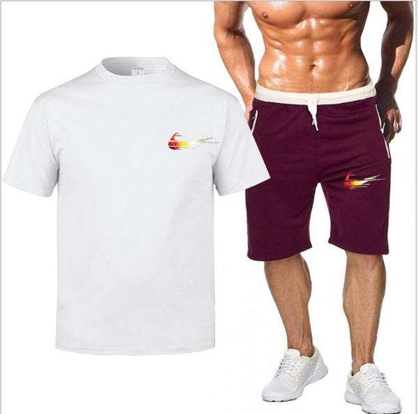 Juegos de marca Hombres de verano Camisetas + Pantalones cortos Juegos de verano Venta caliente de algodón Cómodo de manga corta camiseta de los hombres conjunto ocasional Shorts
