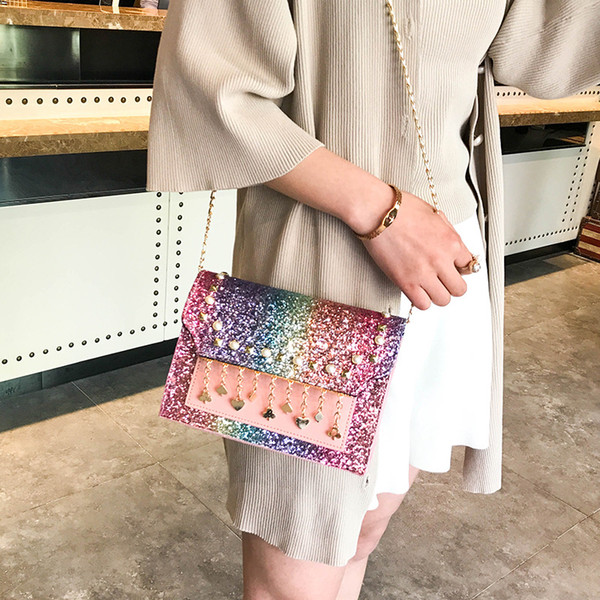 2018 new small bag Korean version of sequins shoulders wild Messenger bag pearl pendant small square bag