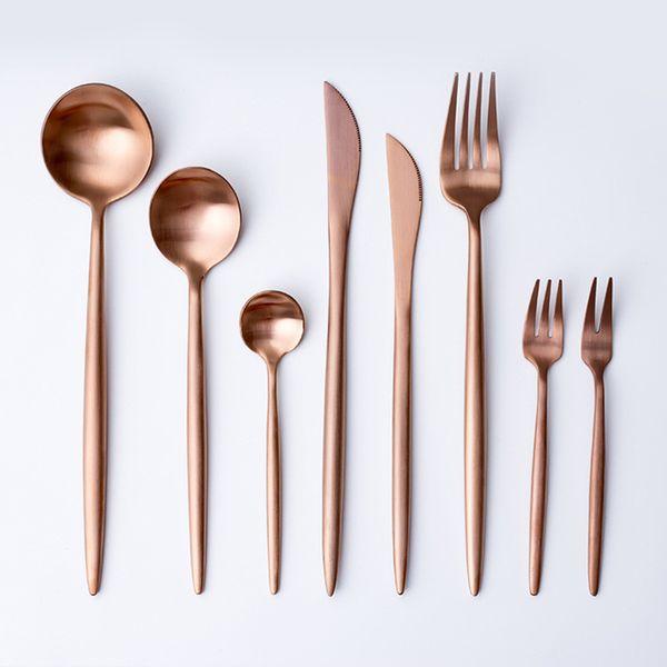 Juego de vajilla de oro rosa caliente Vajilla Tenedor Cuchillo Cuchara Mate Oro rosa Metal Acero inoxidable Cuchillo de cena Tenedor Juegos de cubiertos KitchenT2I5332