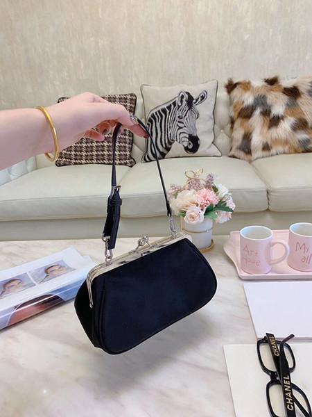 Moda tasarımcısı kadınlar su geçirmez naylon kumaş malzeme toka çanta altın torbası klip çanta omuz asılmış çanta hediye box2c7d #