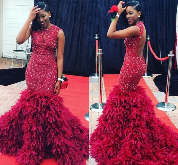 Luxury Feather Evening Dresses Long Sexy Backless Sparkly Crystal Mermaid Sheer Crew Neck Red Appliques Plus Size African Prom Pageant Gowns