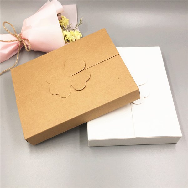 12Pcs/Lot 16x12.6x2.5cm Lucky Box With Four-Leaf Clover Seal Various Tackle And Supplies Packaging Cuboid Creative Gift Cases