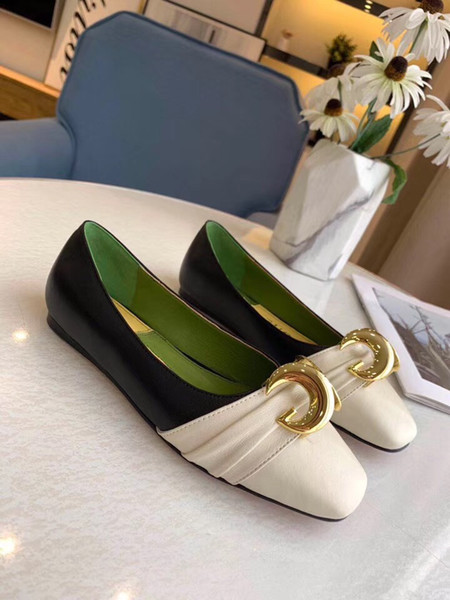 New Ballerina flat shoes Leather ballet flat with half moon Luxury designer Women's flats Sandals Shiny gold-tone hardware accessories