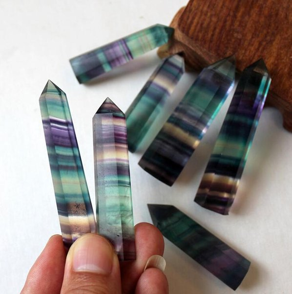 Puntos de Cristales de Color del arco iris Fluorita Natural Punto de Raya Cuarzo Reiki Curación Cristal Chakra Piedra Para el Hogar Deco MMA1646