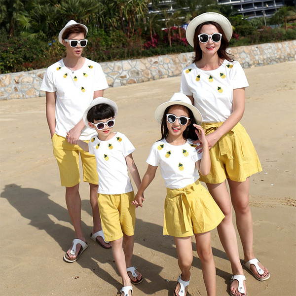 Family Look Mother Daughter Father Son Matching Clothes White Cotton Short Sleeve Family T Shirt Girls Yellow Casual Short Pants J190514