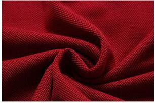 Vermelho escuro