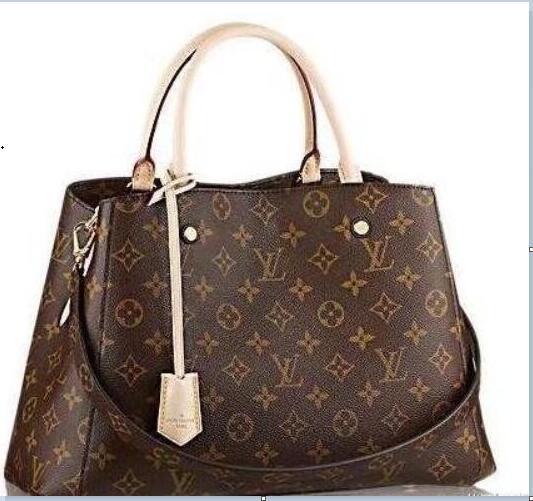 Free shipping 2018 new Messenger Bag Shoulder Bag Mini fashion chain bag women star favorite perfect small package 423