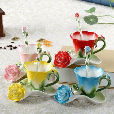 Tazza da tè in ceramica in ceramica con smalto a forma di fiore in 3D creativo con piattino e cucchiaio. Tazza in porcellana di alta qualità
