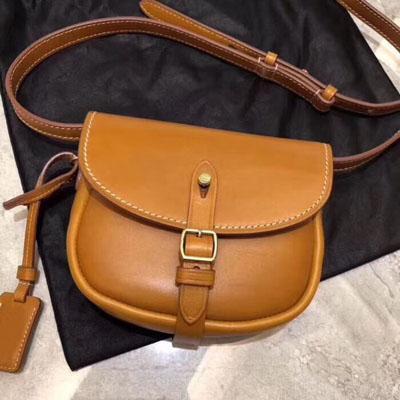 Mujeres de calidad superior Bolsos de cuero Imported Liso Cuero real Lujo de lujo tamaño pequeño Crossbody Marrón colores suaves y prácticos