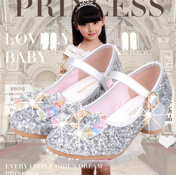 Bahar Yaz Kızlar Glitter Ayakkabı Yüksek Topuk Ilmek Ayakkabı Çocuk Parti Sequins Sandalet Ayak Bileği Kayışı Prenses Çocuk Ayakkabı 5 renkler A42506