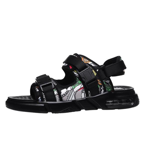 2019 Sandálias Homens Sapatos Gladiador Sandálias dos homens Romanos Sapatos Masculinos Chinelos de Verão Preto Praia Plana