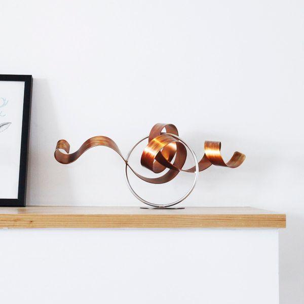 Ferro alla moda Wriggle Modern Sculpture Abstract Sculpture Artwork Metal Sculpture Ferro Decorazione della casa Indoor-Outdoor Decor