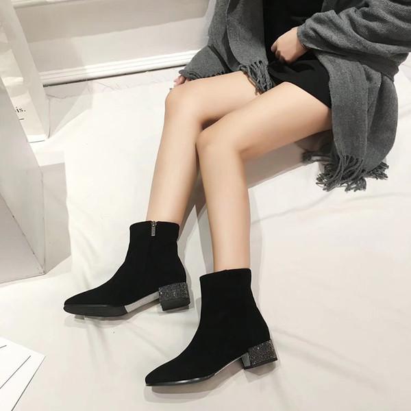 Nouvelle bottes Martin de la dame super chaude avec boucle de ceinture à double rangée de style rivetage en métal couche supérieure supérieure en peau de mouton importée my19090401