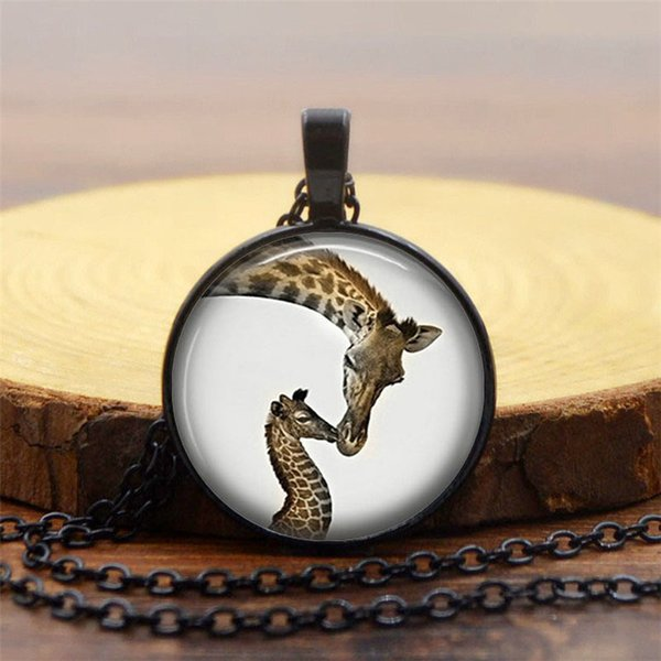 Foreign trade new jewelry Beautiful giraffe photo time gemstone pendant necklace Vintage alloy glass dome pendant accessories wholesale