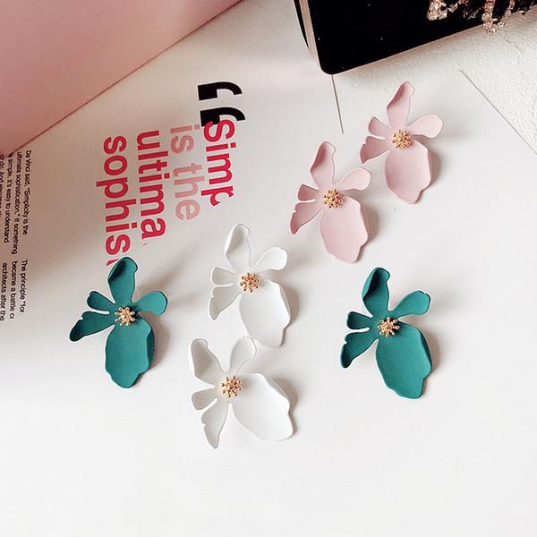 Nuevos boho stud pendientes coreanos personalidad personalidad tridimensional pétalos de flores Bohemia pendientes modelo de joyería -P