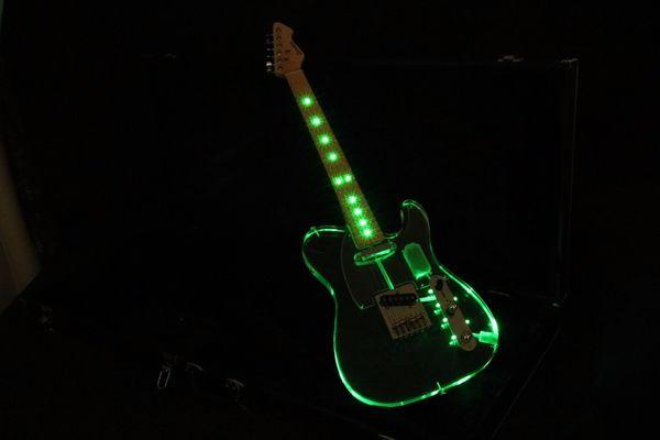 TL Crystal E-Gitarre Acryl Korpus Grün LED Light Bünde Light Maple Griffbrett Top Qualität