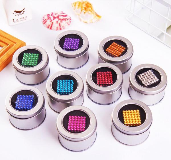 216pcs / set de 3 mm Aimant magique avec métal Boîte blocs magnétiques Boules NEO Sphère Cube Perles construction drôle Décompression Relax Toy PUZZLE