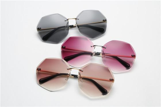 Neu kommen 2019 rahmenlose Damensonnenbrille des Modeseitenschnittes allmähliche Änderungsozeanfarbensonnenglasgroßrahmen-Frauensonnenbrille an