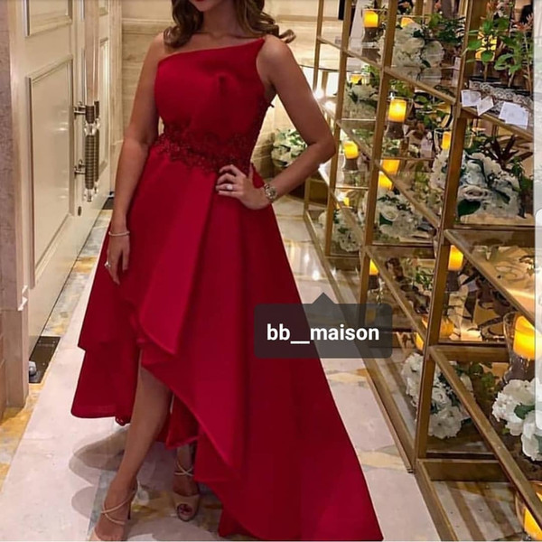 Red Lace Beaded 2019 African Dubai Stylish Evening Dresses Strapless A-line Satin Prom Dresses Sexy Cheap Formal Party Bridesmaid Gowns