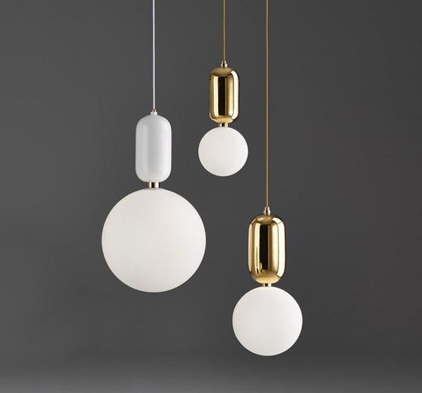 Lampada a sospensione moderna a sfera in vetro bianco latte nordico con vaso per piante per sala da pranzo Lampada a sospensione per lobby da bar
