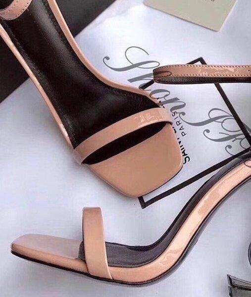 Nackt Sandalen