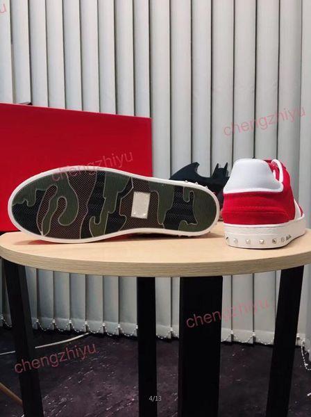 2019 meilleur concepteur de qualité des hommes et des femmes de la mode chaussures casual en velours rouge, vert, bleu chaussures belle marque de plate-forme sombre occasionnels
