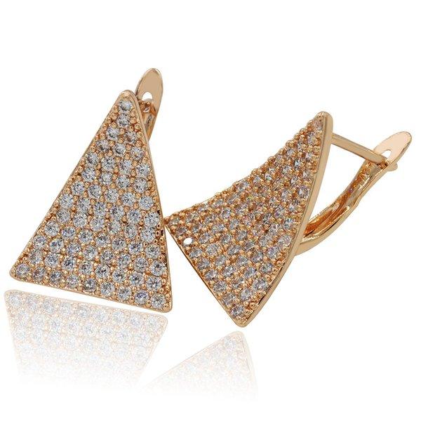 MGFam (427E) Pendientes de aro Trangle para mujer 18 k chapado en oro Cubic Zircon Shinne Joyería de moda de compra en caliente Sin plomo