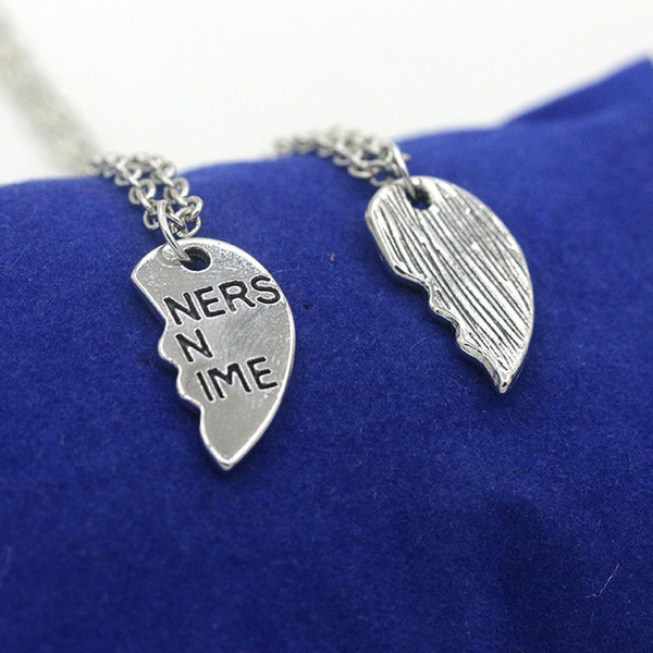 Women Casual Hollow Letter Print Heart Lobster Claw Clasp 5cm/2inch Bracelets Fashion Necklaces