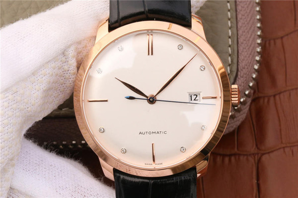 The match of rose gold and white, the second hand that burns blue adds a decorous style for wrist watch again, men's watch