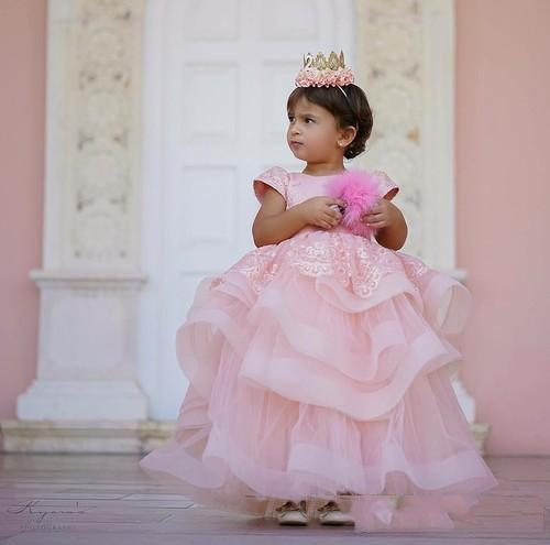 Lovely Pink Ball Gown Girls Pageant Dresses With Tulle Ankle Length Ruffle birthday Party Wear For toddler Lace Appliqued Flower Girls Dres