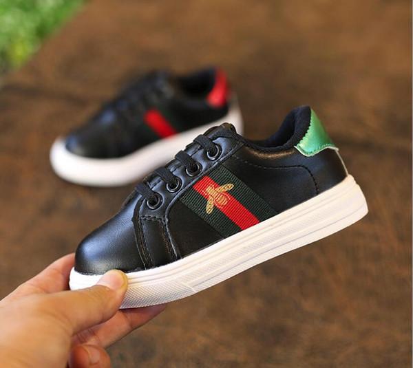 Yeni Erkek Kız Sneakers Çocuk Okul Spor Eğitmenler Bebek Yürüyor Çocuk Casual Skate Şık Tasarımcı Koşu Ayakkabıları Shoes Enfant Dökün