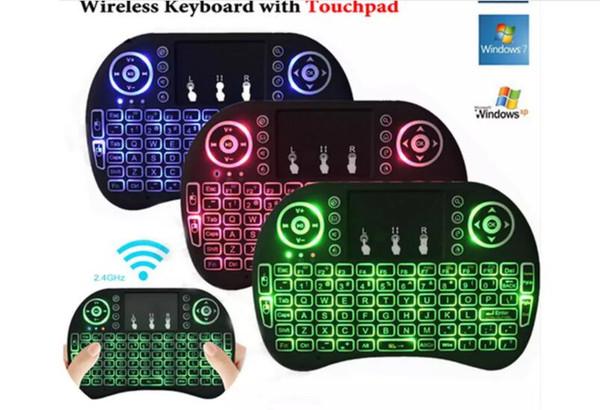 20pcs Fly Air Mouse 2.4G Mini RII I8 Tastiera senza fili con retroilluminazione Rosso Verde blu Telecomando per MXQ S905X S912 TV multi-lingua