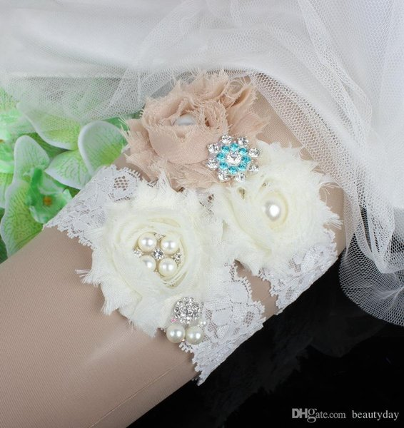 Ivory Lace Rhinestones Pearls Chiffon Flowers Wedding Garter Set Luxury With Bridal Leg Garter Belt Beads Bride Accessories Plus Size