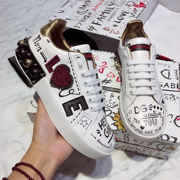 best selling 2019r autumn luxury design new leather couple models casual sports shoes, fashion wild low-top shoes, original box packaging, size: 35-45
