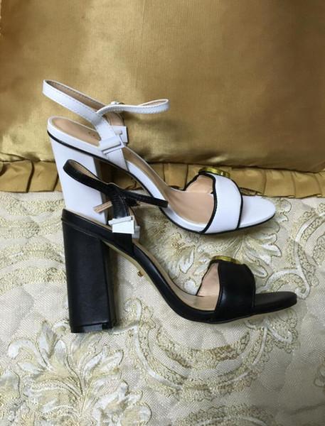 2019 Nouvelle mode féminine qualité design talons hauts sandales chaussure bureau dame bracelet en cuir chaussure noir blanc talon épais 11cm grande taille 42 41 40