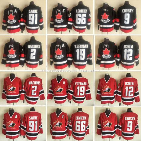 Équipe Canada cousue 66 Mario Lemieux 91 Joe Sakic 2 Al Macinnis 12 Jarome Iginla 19 Maillot de hockey Steve Yzerman