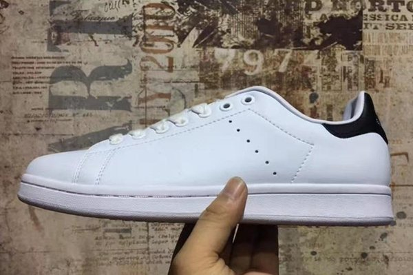 2019 New Designer High quality Newsest Stan Shoes Fashion Brand Smith Leather Men Women Classic Flats Casual Shoes A19