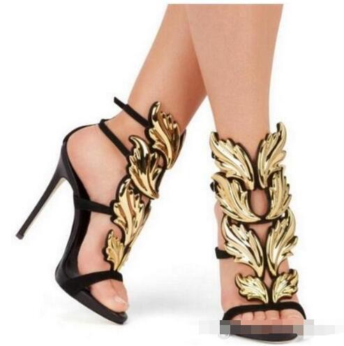 Vendita calda Ali di metallo dorate Foglia con cinturino Sandalo d'argento oro Rosso Gladiatore Scarpe con tacchi alti di metallo Sandali con ali metallizzate 36-42