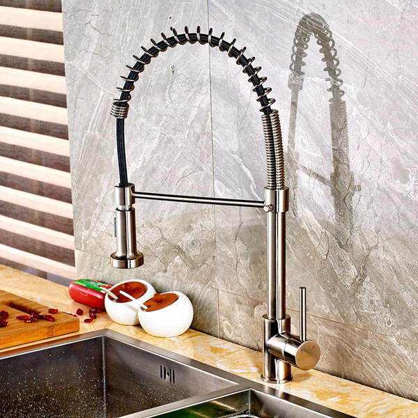 Miscelatore monocomando con rubinetto a molla nichel spazzolato Miscelatore monocomando a foro singolo con tubo flessibile di colore nero