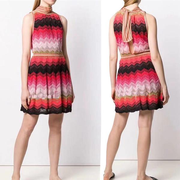 Fábrica personalizado 2019 primavera e no verão cor combinando textura geométrica em torno do pescoço sem mangas em forma de V oco lace senhoras dresson