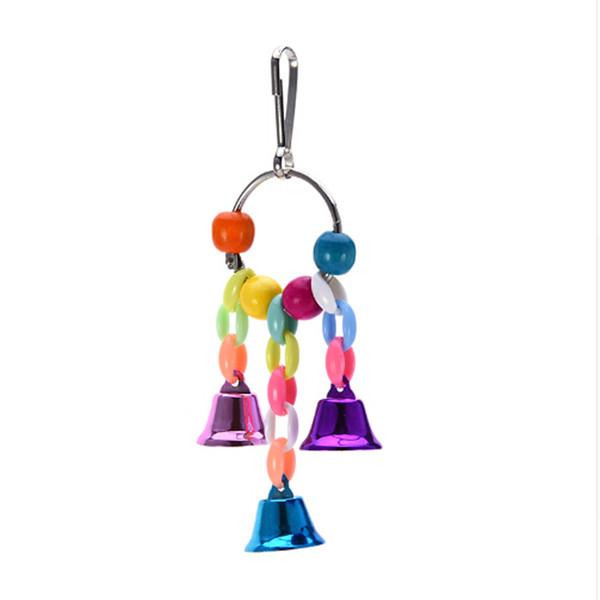 Pappagalli in legno naturale altalena giocattolo strumento impressionante gabbia di pesce persico con campane colorate giocattoli per uccelli forniture