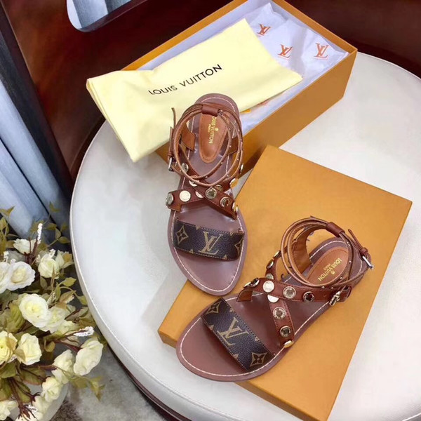 Yüksek Kalite Lüks Tasarımcı Kadın Flats Sandalet 2019 Moda Lüks Tasarımcılar Kadın Ayakkabı Kadınlar Için Sandalet Çiçek Baskılı Terlik