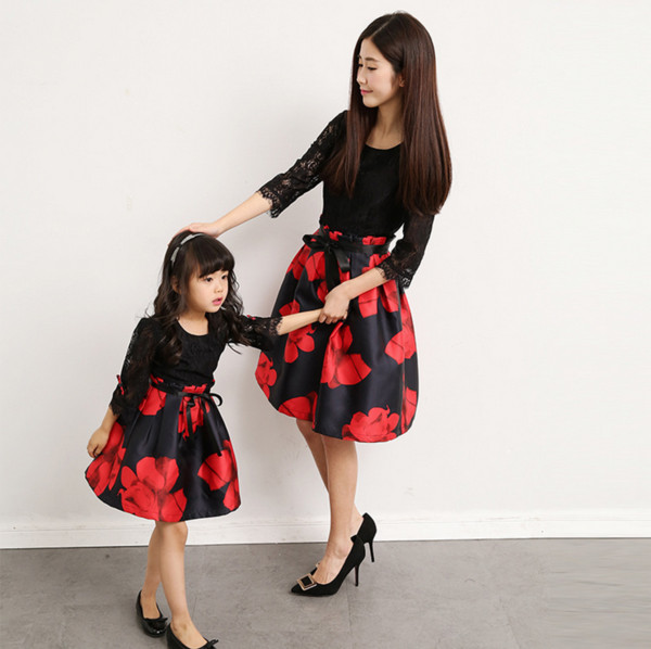 Family Matching Outfits Dress Mother Daughter Women Girl Baby Clothes Party Mama Mommy and Me Clothing Family Look Red Dresses