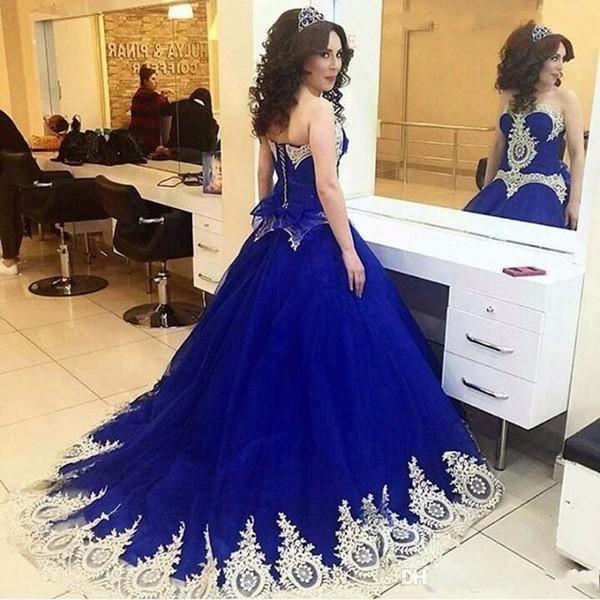 Arabo Saudita Royal Blue Quinceanera Abiti Sweet Heart Sweep Treno Oro Appliques Prom Party Abiti Per Sweet 15 abiti da 15 anos 2019
