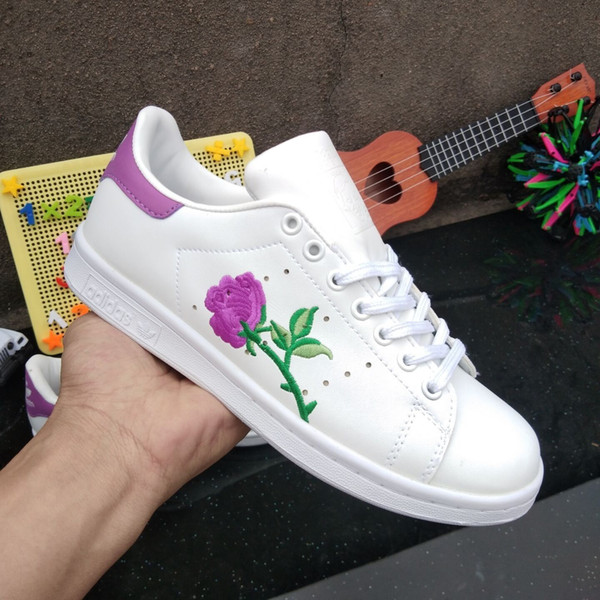 top popular High quality summer clover tail embroidered shoes Low cut female student casual shoes Smith white shoes 2019