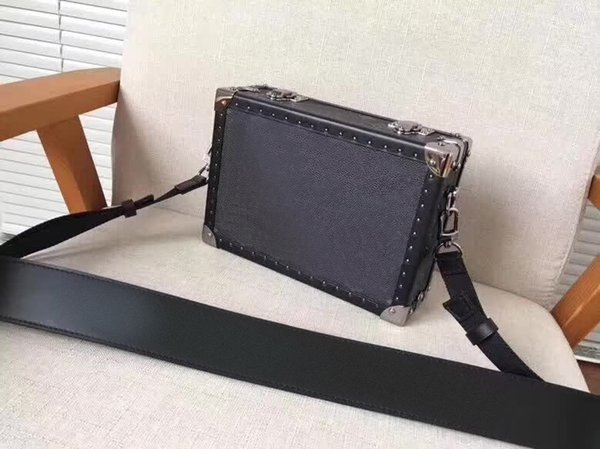 NEW Fashion suitcase Practical and charming Designer brand shoulder bag Traditional fashion design Model M20101 size:21x13x6cm